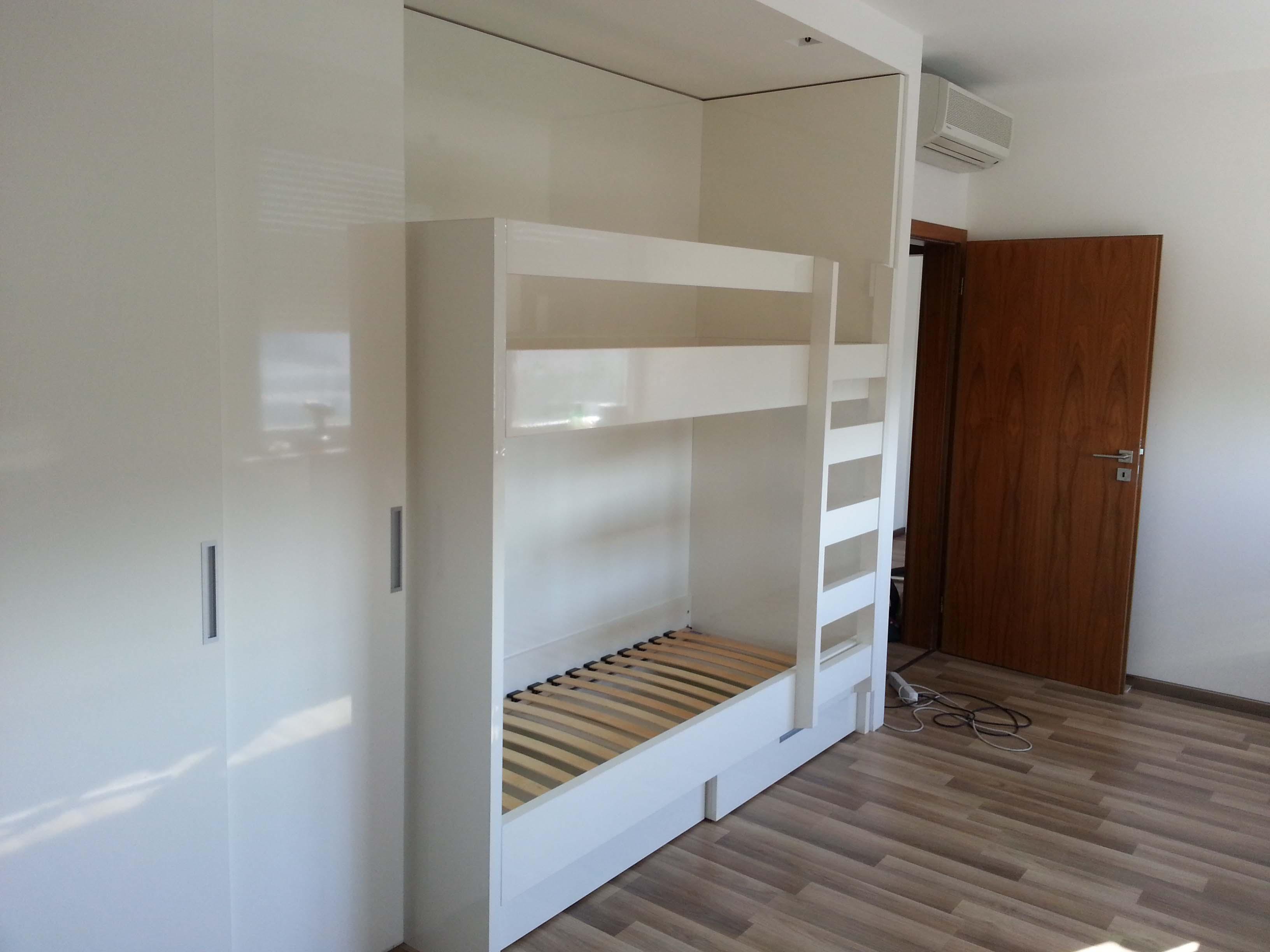 poschodové postele na mieru