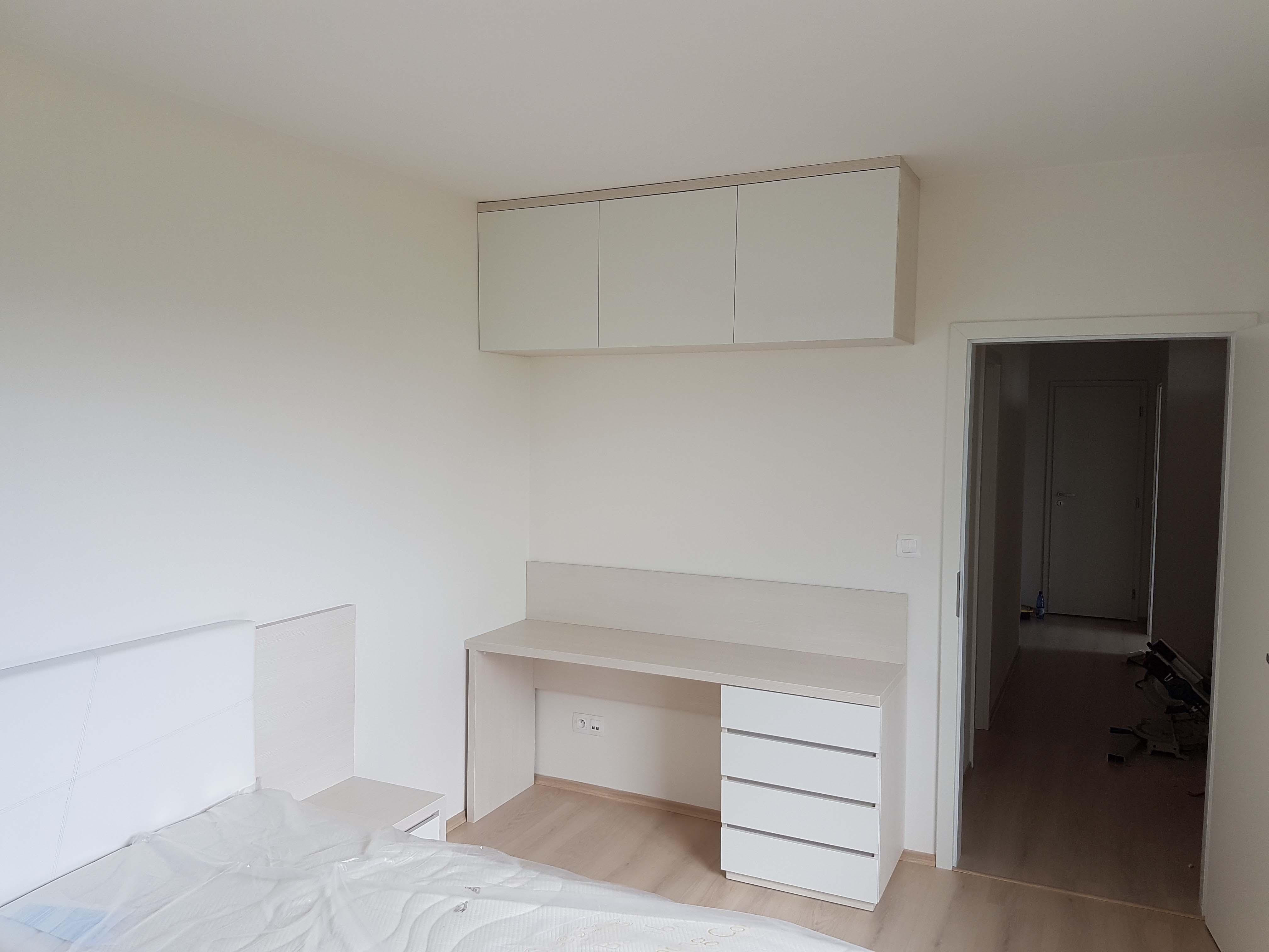 nábytok do spálne na mieru