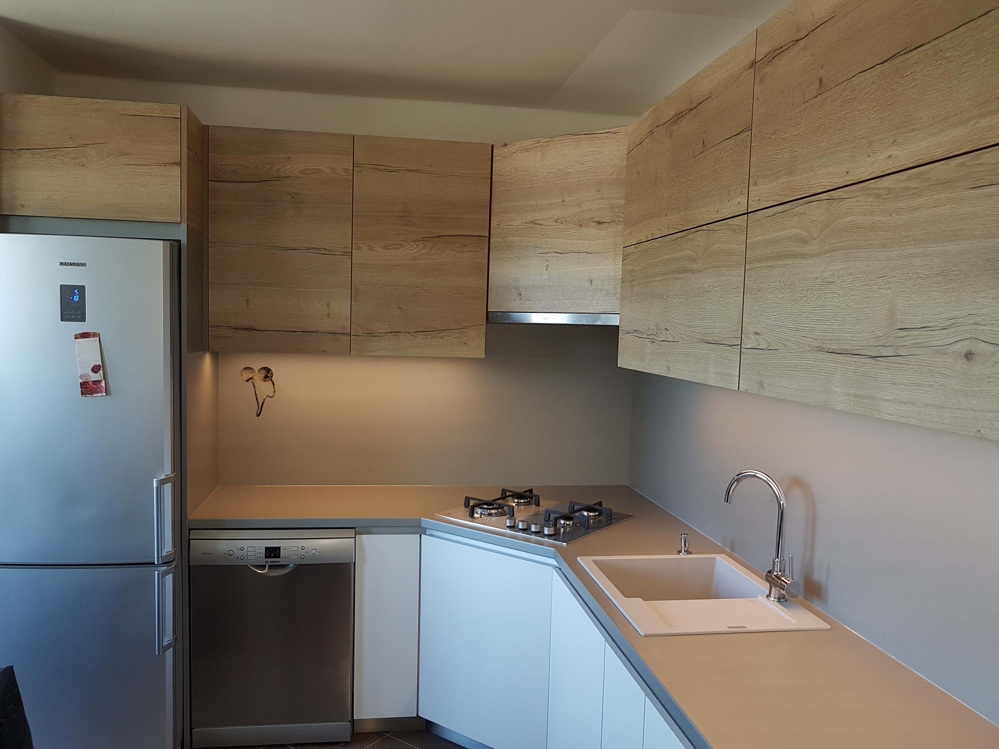 malá kuchyňa na mieru
